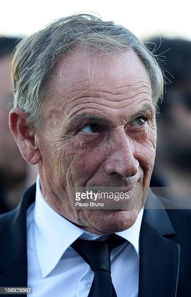 Roma head coach Zdenek Zeman looks on during the Serie A match between Pescara and AS Roma at Adriatico Stadium on November 25 2012 in Pescara Italy