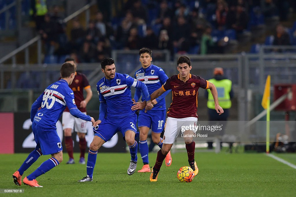 AS Roma player Diego Perotti (R) in action during the Serie A match between AS Roma and UC Sampdoria at Stadio Olimpico on February 7, 2016 in Rome, Italy.