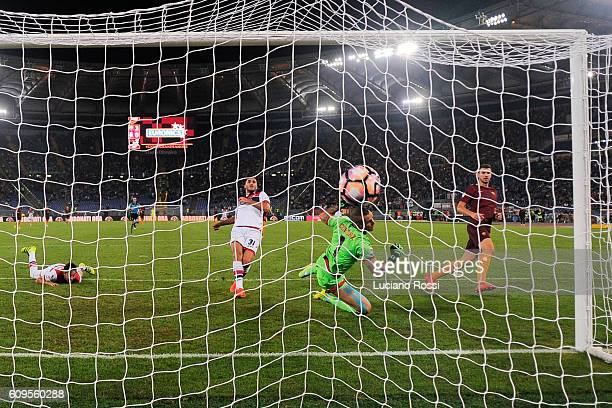 Roma player Edin Dzeko scores the goal during the Serie A match between AS Roma and FC Crotone at Stadio Olimpico on September 21 2016 in Rome Italy