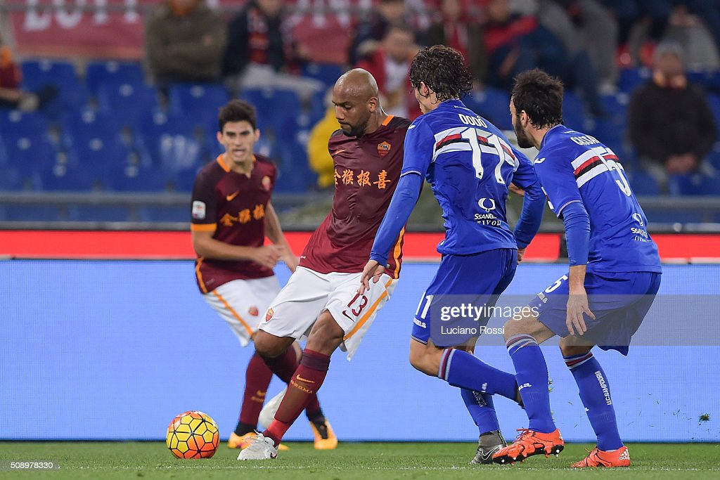 AS Roma player <a gi-track='captionPersonalityLinkClicked' href=/galleries/search?phrase=Maicon+-+Brasilianische+Nationalmannschaft+und+Manchester+City+F.C.&family=editorial&specificpeople=2639404 ng-click='$event.stopPropagation()'>Maicon</a> (L) in action during the Serie A match between AS Roma and UC Sampdoria at Stadio Olimpico on February 7, 2016 in Rome, Italy.