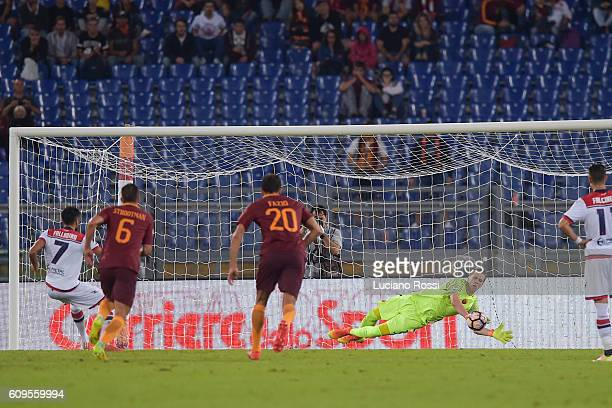 Roma player Wojciech Szczesny saved the penality during the Serie A match between AS Roma and FC Crotone at Stadio Olimpico on September 21 2016 in...