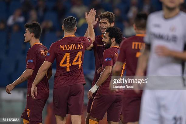 Roma players celebrate after goal scored by Federico Fazio during the UEFA Europa League match between AS Roma and FC Astra Giurgiu at Olimpico...