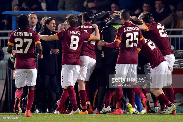 Roma players celebrate after the goal scored by Danielel De rossi during the Serie A match between AC Cesena and AS Roma at Dino Manuzzi Stadium on...
