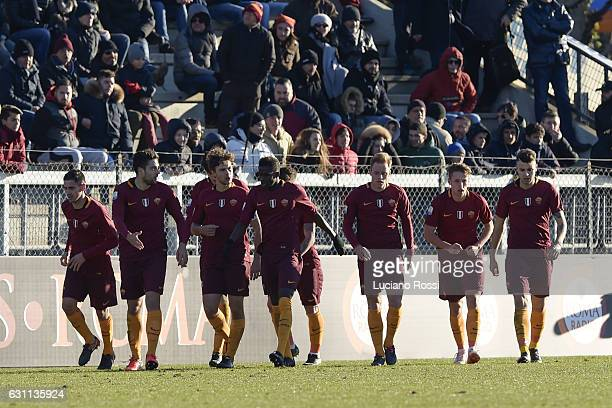 Roma players celebrate during the Primavera Tim Cup juvenile match between AS Roma and FC Internazionale at Stadio Tre Fontane on January 7 2017 in...