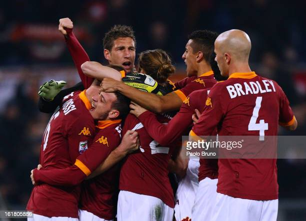 Roma players celebrate the victory during the Serie A match between AS Roma and Juventus FC at Stadio Olimpico on February 16 2013 in Rome Italy