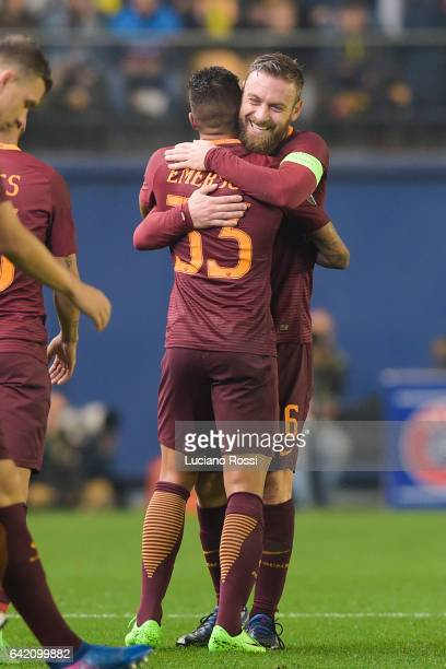 Roma players Daniele De Rossi and Emerson Palmieri celebrate during the UEFA Europa League Round of 32 first leg match between FC Villarreal and AS...