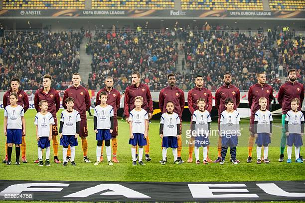 AS Roma Team at the begining of the UEFA Europa League 20162017 Group E game between FC Astra Giurgiu and AS Roma at National Arena Bucharest Romania...