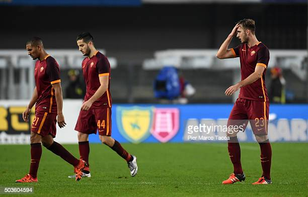 Roma team players disappointed look at the end of the Serie A match between AC Chievo Verona and AS Roma at Stadio Marc'Antonio Bentegodi on January...