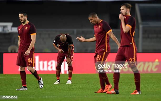 Roma team players look disappointed at the end of the Serie A match between AC Chievo Verona and AS Roma at Stadio Marc'Antonio Bentegodi on January...