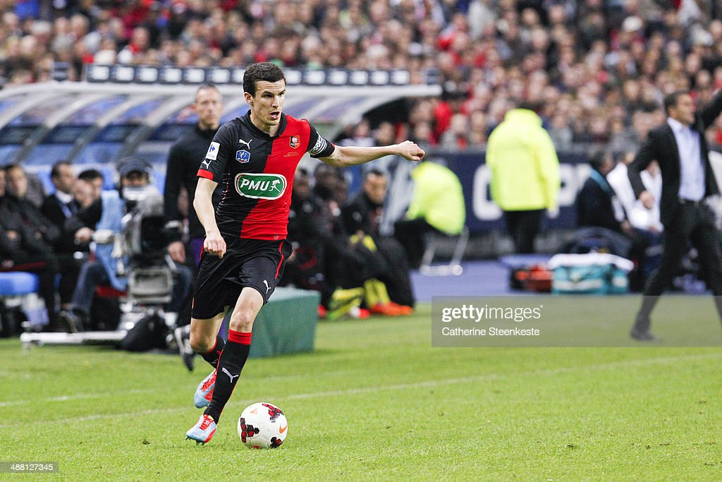 <a gi-track='captionPersonalityLinkClicked' href=/galleries/search?phrase=Romain+Danze&family=editorial&specificpeople=4121826 ng-click='$event.stopPropagation()'>Romain Danze</a> #29 of Stade Rennais FC controls the ball during the French Cup Final match between Stade Rennais FC and EA Guingamp at Stade de France on May 3, 2014 in Saint-Denis near Paris, France.