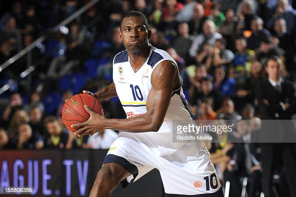 Romain Sato #10 of Fenerbahce Ulker Istanbul in action during the 20122013 Turkish Airlines Euroleague Top 16 Date 1 between FC Barcelona Regal v...