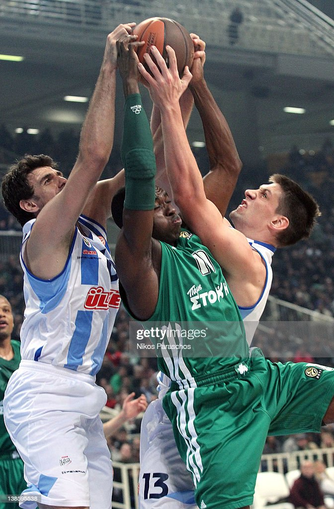 <a gi-track='captionPersonalityLinkClicked' href=/galleries/search?phrase=Romain+Sato&family=editorial&specificpeople=220873 ng-click='$event.stopPropagation()'>Romain Sato</a>, #10 of Panathinaikos Athens competes with Gasper Vidmar, #13 of Fenerbahce Ulker during 2011-2012 Turkish Airlines Euroleague TOP 16 Game Day 4 between Panathinaikos Athens v Fenerbahce Ulker Istanbul at OAKA on February 9, 2012 in Athens, Greece.