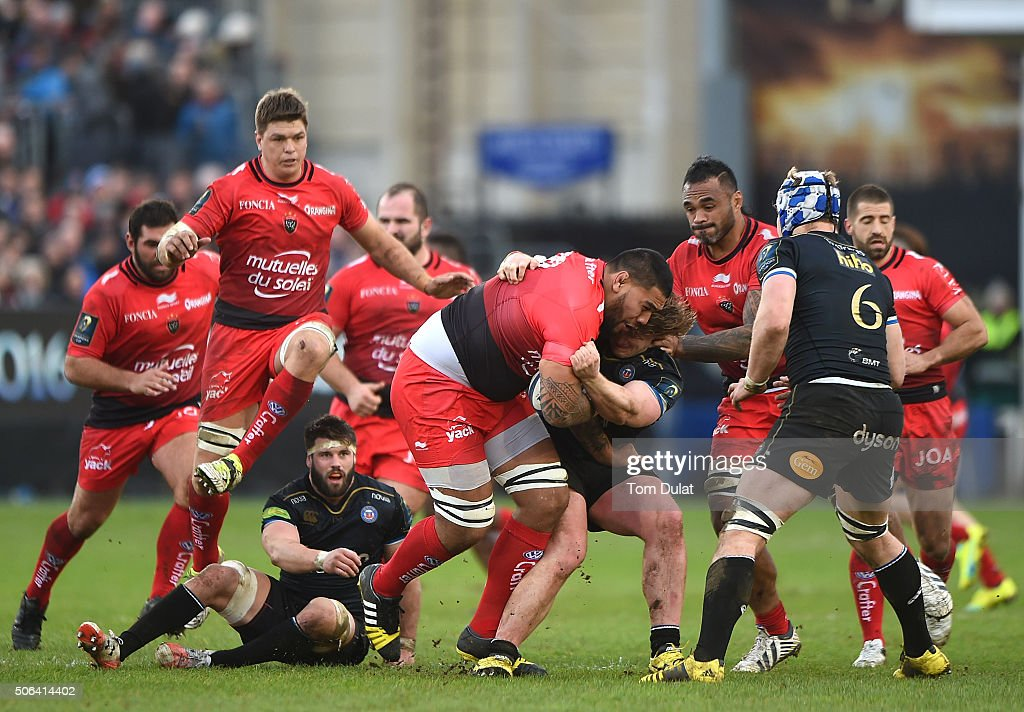 Romain Taofifenua of RC Toulon is tackled by Nick Auterac of Bath Rugby during the European Rugby Champions Cup match between Bath Rugby and RC Toulon at Recreation Ground on January 23, 2016 in Bath, England. (Photo by Tom Dulat/Getty Images).