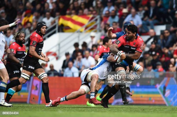Romain Taofifenua of Toulon and Alex Tulou of Castres during the Top 14 match between Rc Toulon and Castres Olympique on April 15 2017 in Toulon...