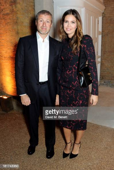 Roman Abramovich and Dasha Zhukova attend a donors dinner hosted by Michael Bloomberg Graydon Carter to celebrate the launch of the new Serpentine...