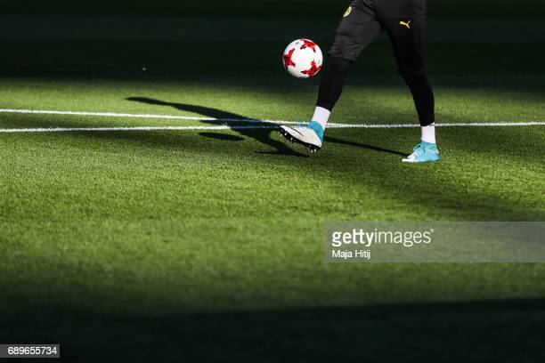 Roman Buerki goalkeeper of Dortmund warms up prior the DFB Cup final match between Eintracht Frankfurt and Borussia Dortmund at Olympiastadion on May...