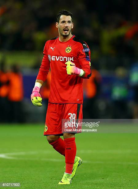 Roman Buerki of Borussia Dortmund celebrates during the UEFA Champions League Group F match between Borussia Dortmund and Real Madrid CF at Signal...