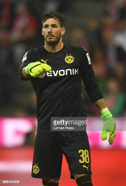 Roman Buerki of Borussia Dortmund gestures during the Bundesliga match between Bayern Muenchen and Borussia Dortmund at Allianz Arena on April 8 2017...