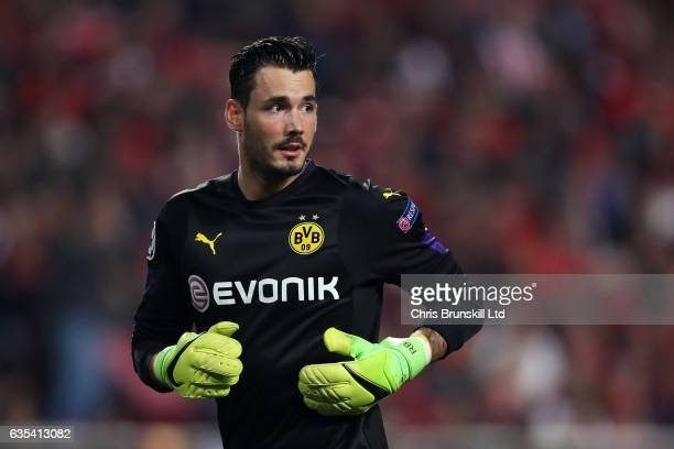 Roman Burki of Borussia Dortmund looks on during the UEFA Champions League Round of 16 first leg match between SL Benfica and Borussia Dortmund at...