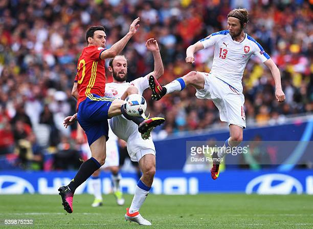 Roman Hubnik and Jaroslav Plasil of Czech Republic compete for the ball against Aritz Aduriz of Spain during the UEFA EURO 2016 Group D match between...