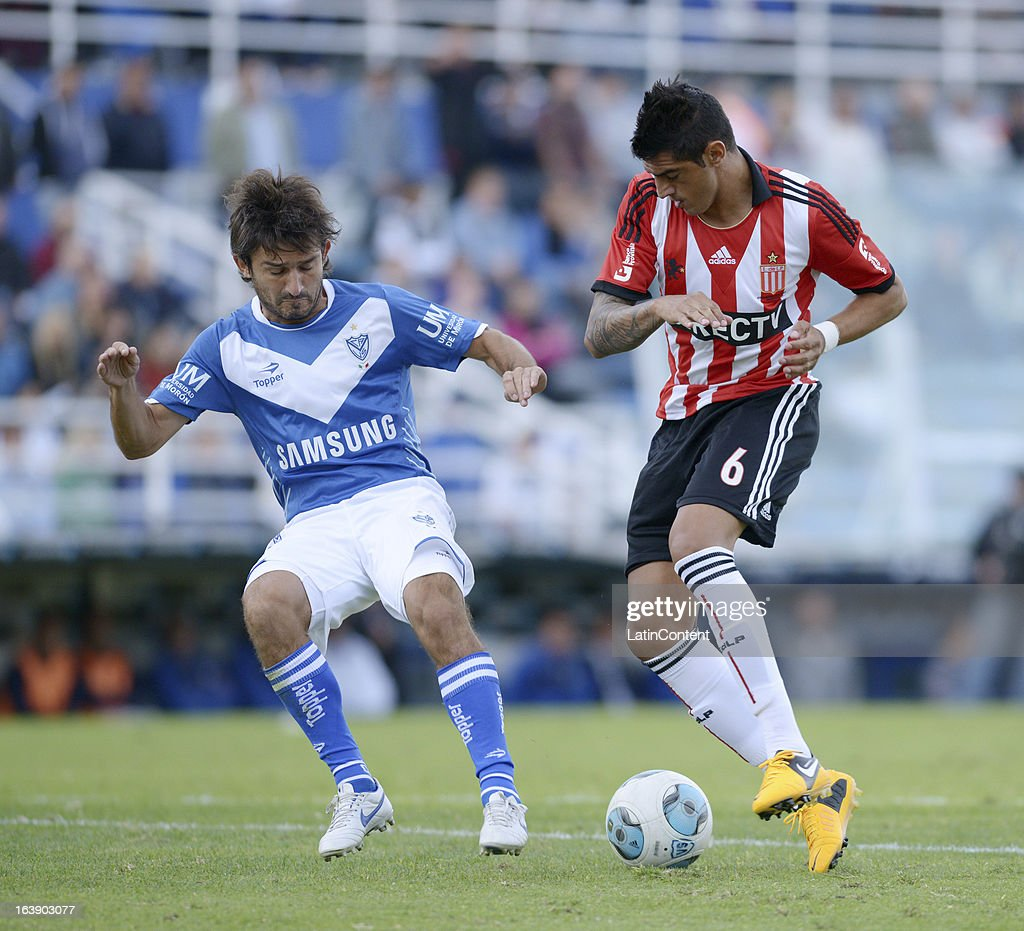 Velez Sarsfield v Estudiantes de La Plata - Torneo Final 2013
