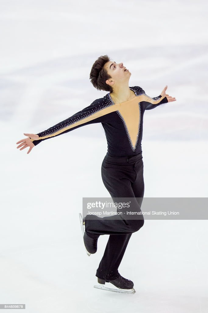 Roman Savosin | Савосин Роман Андреевич - Страница 3 Roman-savosin-of-russia-competes-in-the-junior-men-free-skating-day-picture-id844859878
