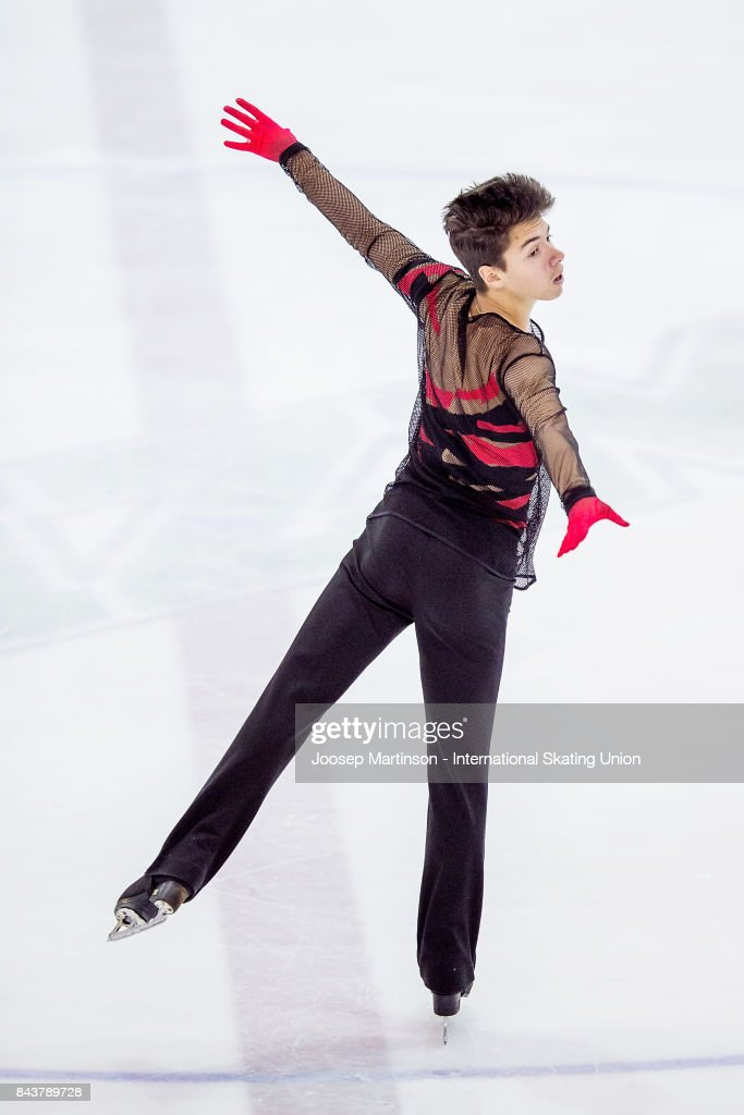 Roman Savosin | Савосин Роман Андреевич - Страница 3 Roman-savosin-of-russia-competes-in-the-junior-men-short-program-day-picture-id843789728
