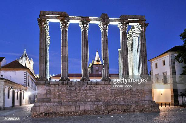 Roman Temple of Diana in Evora at night, UNESCO World Heritage Site, Alentejo, Portugal, Europe