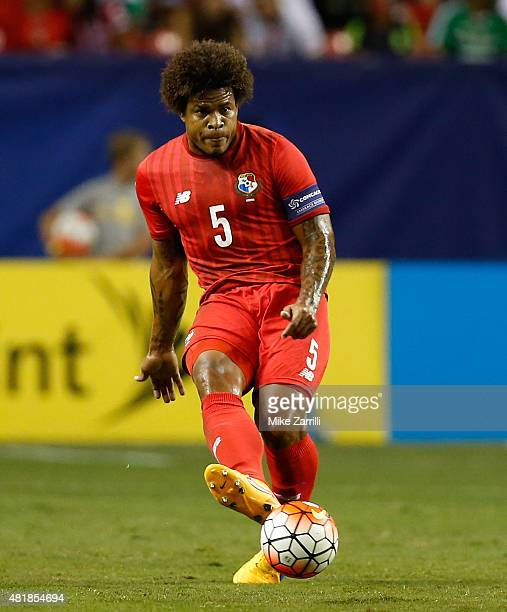 Roman Torres of Panama passes during the 2015 CONCACAF Gold Cup semifinal match against Mexico at Georgia Dome on July 22 2015 in Atlanta Georgia