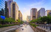 Romance Sunset At Cheonggyecheon Stream In Seoul City