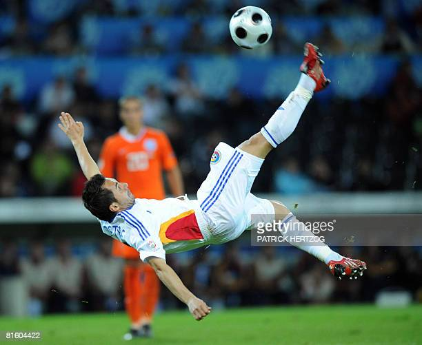 Romanian mildfielder Florentin Petre kicks the ball during the Euro 2008 Championships Group C football match Netherlands vs Romania on June 17 2008...
