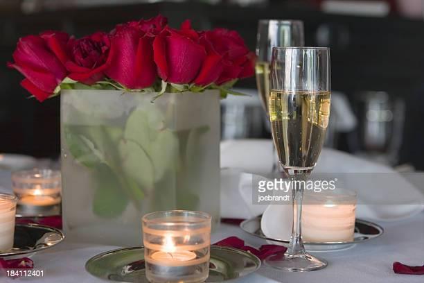 Romantica cena a lume di candela