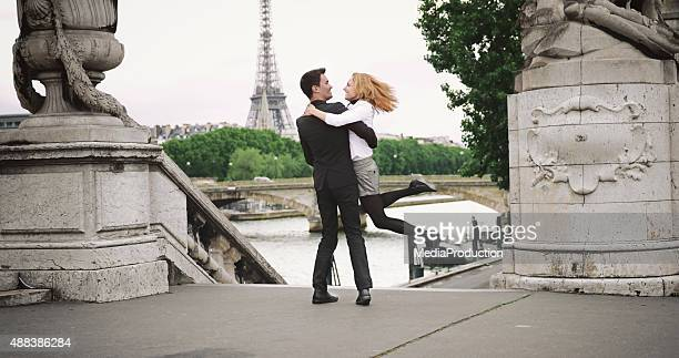 Romantisches Paar in Paris