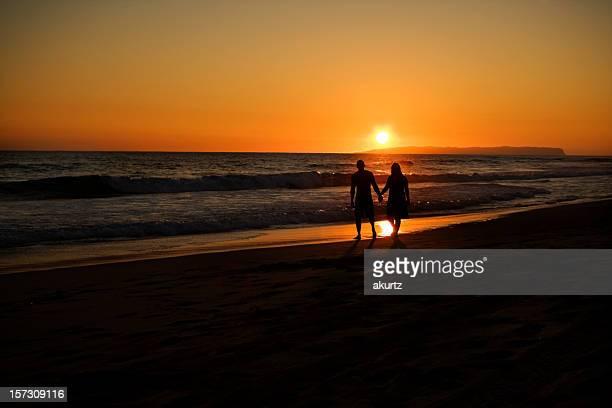 Romantischen Spaziergang am Strand