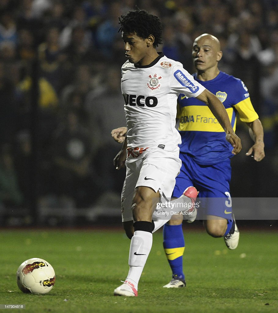 Romarinho of Corinthians shoots to score a goal during a match between Boca Juniors and Corinthians as part of the first leg of the Libertadores Cup 2012 finals at the Bombonera Stadium on June 27, 2012 in Buenos Aires, Argentina.