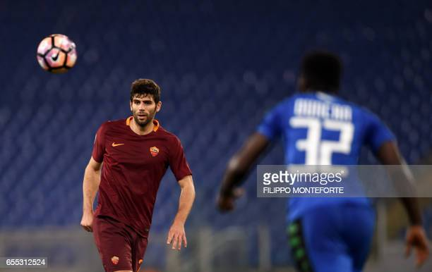Roma's defender from Argentina Federico Fazio vies with Sassuolo's midfielder from Ghana Alfred Duncan during the italian Serie A football match Roma...