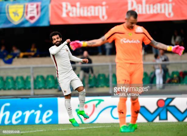 AS Roma's Egyptian midfielder Mohamed Salah celebrates after scoring during the Italian Serie A football match Chievo vs AS Roma at the Marcantonio...