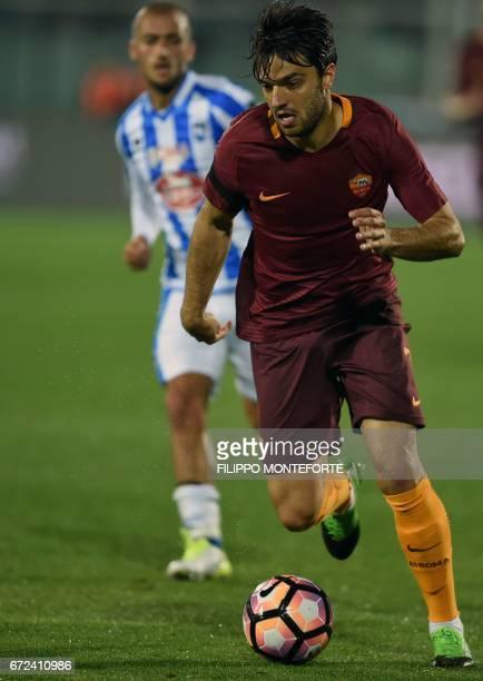 Roma's French midfielder Clement Grenier runs with the ball during the Italian Serie A football match between Pascara and Roma on April 24 2017 at...