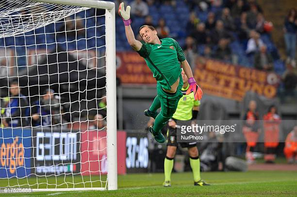 Roma's goalkeeper Wojciech Szczesny during the Italian Serie A football match between AS Roma and US Palermo at the Olympic Stadium in Rome on...