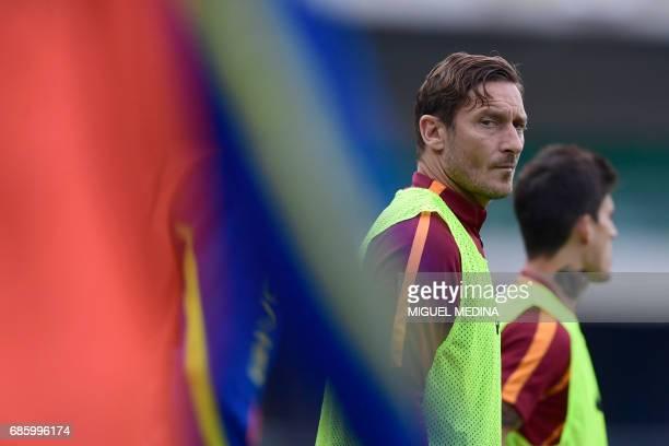 AS Roma's Italian forward Francesco Totti warms up during the Italian Serie A football match Chievo vs AS Roma at the Marcantonio Bentegodi stadium...