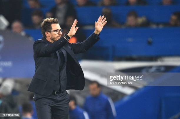 Roma's Italian head coach Eusebio Di Francesco applauds fans after a UEFA Champions league group stage football match between Chelsea and Roma at...