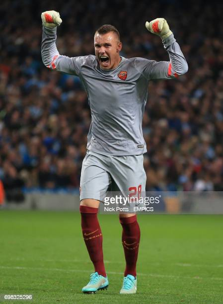 Roma's Lukasz Skorupski celebrates goal