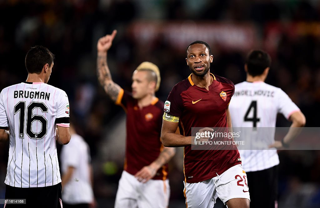Roma's midfielder from Mali Seydou Keita celebrates after scoring during the Italian Serie A football match Roma vs Palermo at the Olympic Stadium in...