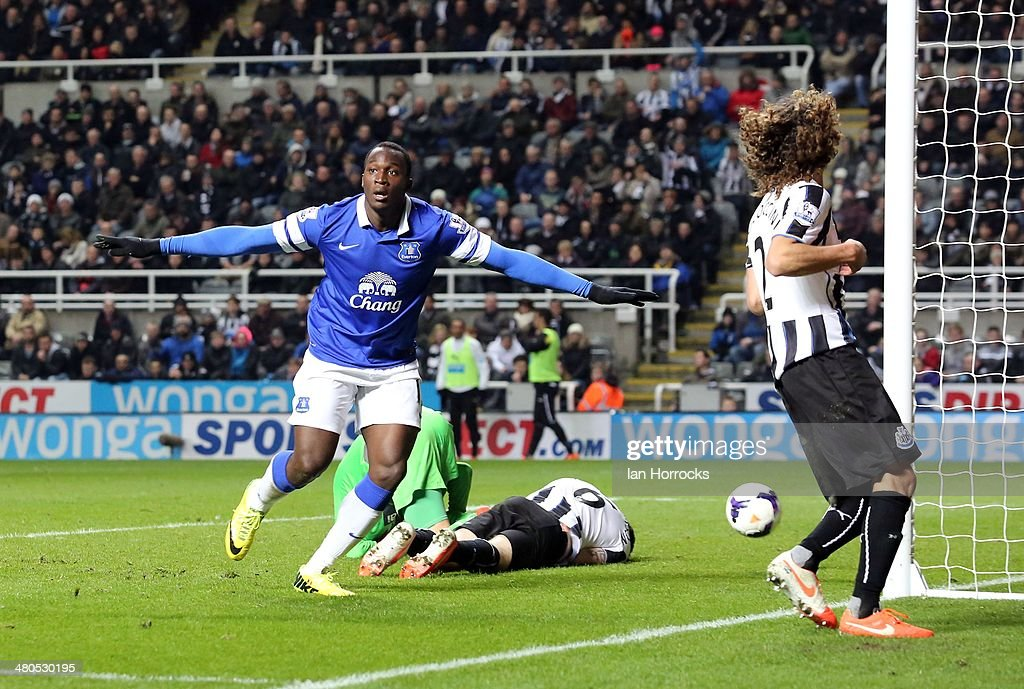 Romelu Lakaku of Everton (L) celebrates after scoring their second goal during the Barclays Premier League match between Newcastle United and Everton at St James' Park on March 25, 2014 in Newcastle upon Tyne, England.