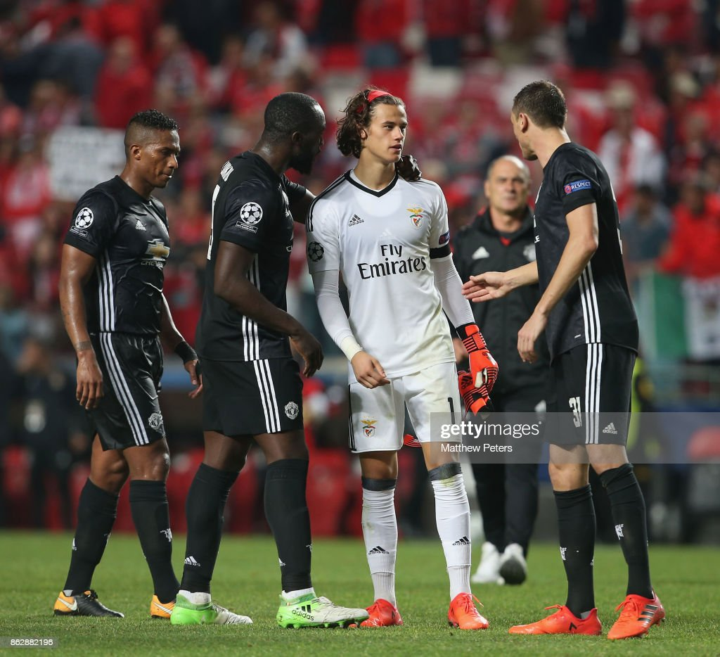 Romelu Lukaku and Nemanja Matic of Manchester United console Mile Svilar of Benfica after the UEFA Champions League group A match between SL Benfica and Manchester United at Estadio da Luz on October 18, 2017 in Lisbon, Portugal.