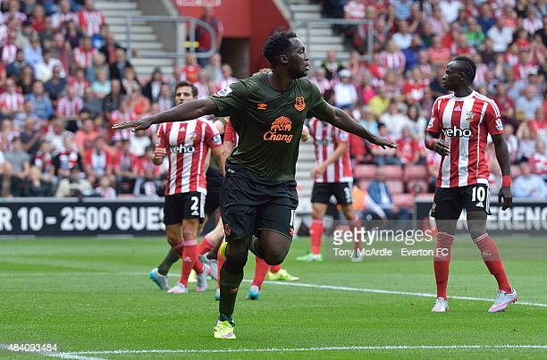 Romelu Lukaku celebrates after scoring during the Barclays Premier League match between Southampton and Everton at St Mary's Stadium on August 15...
