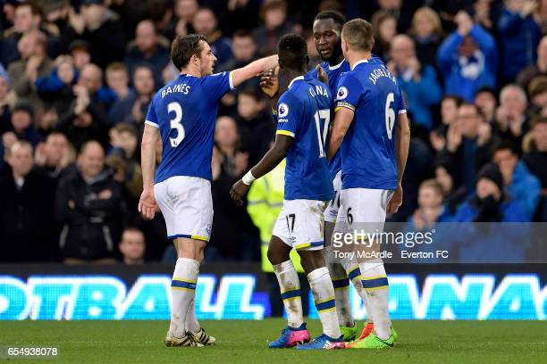 Romelu Lukaku celebrates his first goal with Leighton Baines Idrissa Gueye and Phil Jagielka during the Premier League match between Everton and Hull...
