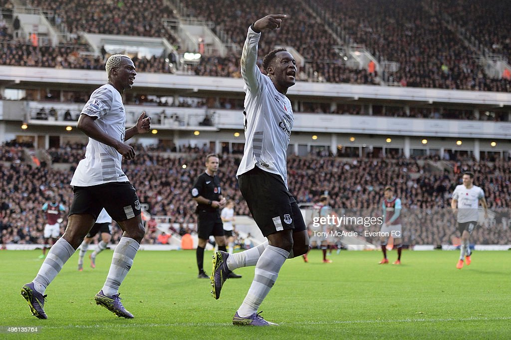 Romelu Lukaku celebrates his goal during the Barclays Premier League match between West Ham United and Everton at Boleyn Ground on November 7, 2015 in London, England.
