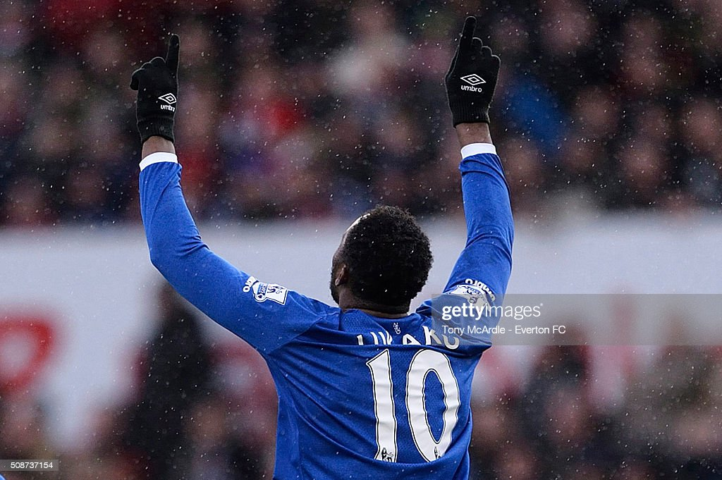 <a gi-track='captionPersonalityLinkClicked' href=/galleries/search?phrase=Romelu+Lukaku&family=editorial&specificpeople=6342802 ng-click='$event.stopPropagation()'>Romelu Lukaku</a> celebrates his goal during the Barclays Premier League match between Stoke City v Everton at the Britannia Stadium on February 6, 2016 in Stoke on Trent, England.