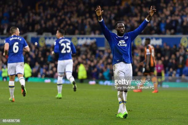 Romelu Lukaku celebrates his second goal during the Premier League match between Everton and Hull City at the Goodison Park on March 18 2017 in...